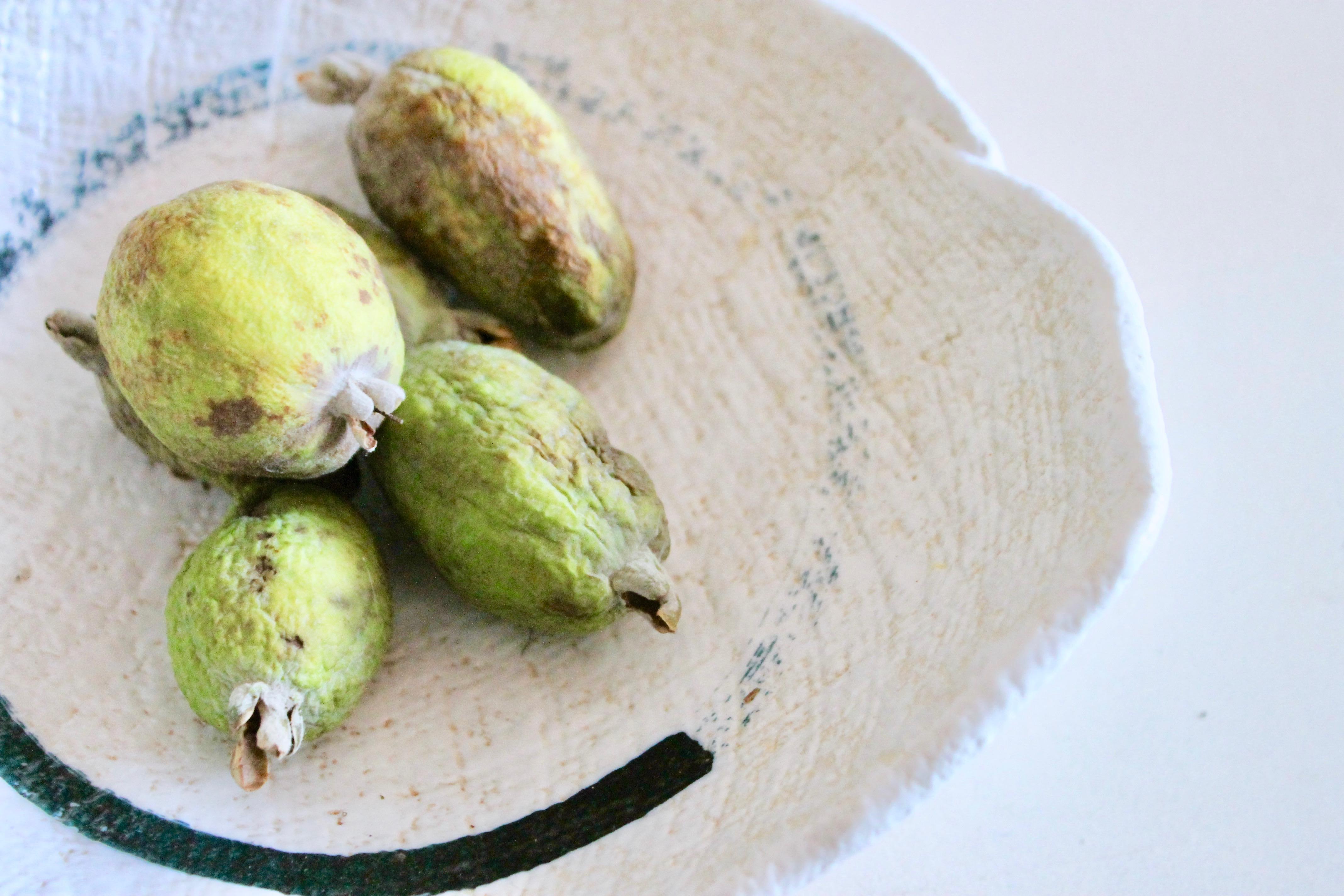 5 ricette vegan con la feijoa, un frutto da scoprire